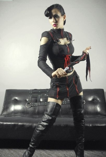 Auckland Escorts | Vivian Jones | NZ Girls |  Affordable BDSM Sessions With The Divine Mistress ! |